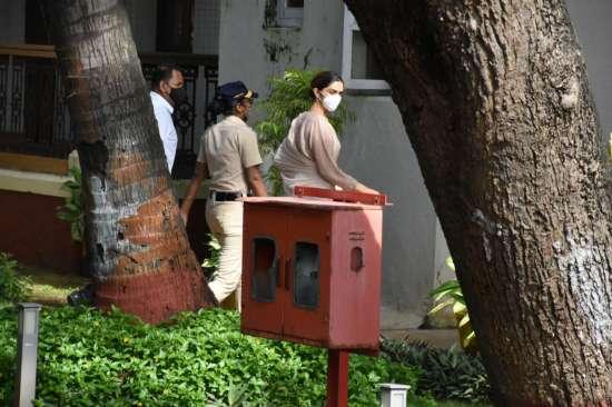 India Tv - Deepika Padukone reaches NCB office
