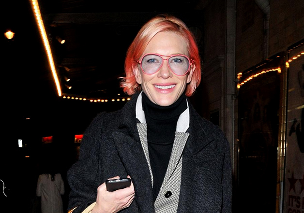 India Tv - Cate completed the look by wearing pink frame aviators, featuring blue lenses.