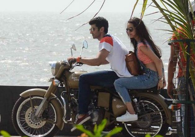 India Tv - Shraddha Kapoor and Aditya Roy Kapur