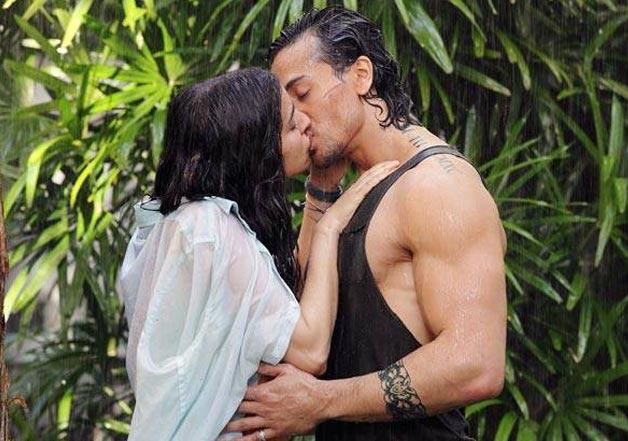 India Tv - Shraddha and Tiger share a kiss