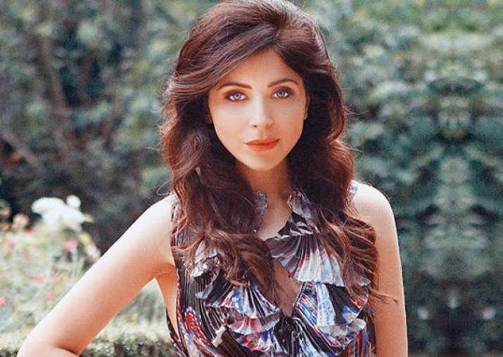 Abhishek Chaubey is all praises for Kanika Kapoor's new ...