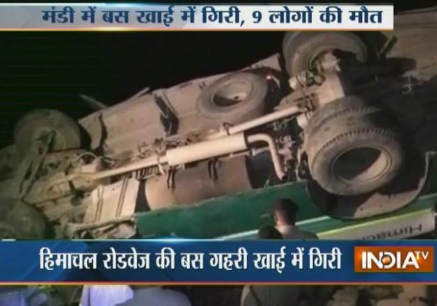 Bus falls into gorge in Himachal's Mandi, 9 Killed, over 30 injured