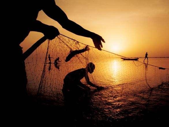India Tv - Fishermen late evening