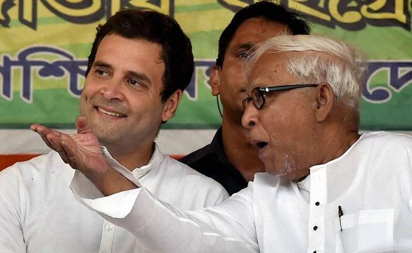 Rahul Gandhi with Buddhadeb Bhattacharya in an election