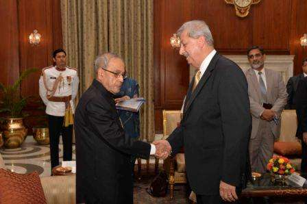 Fakhri Hassan Al Issa Presenting Credentials to President