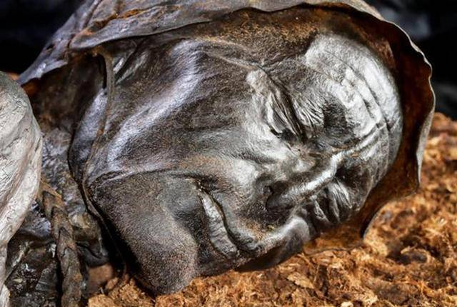 2000-year-old body