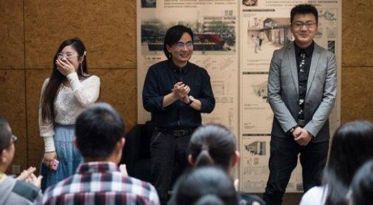 Xie Shu, a professor in the University of China teaching