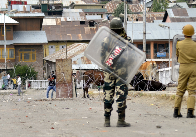 US calls for reducing rhetoric and violence in Kashmir