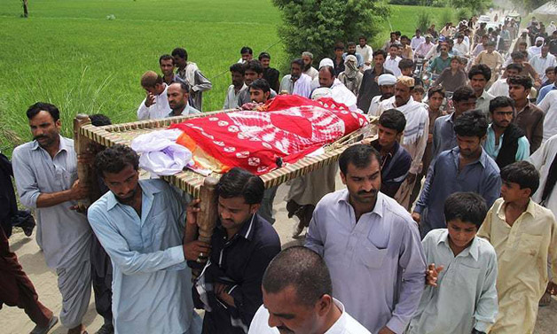 Pakistani model Qandeel Baloch laid to rest. Here are her ...