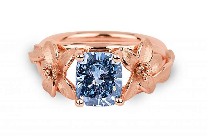 India Tv - 2.08-carat Fancy Vivid Blue Jane Seymour diamond ring