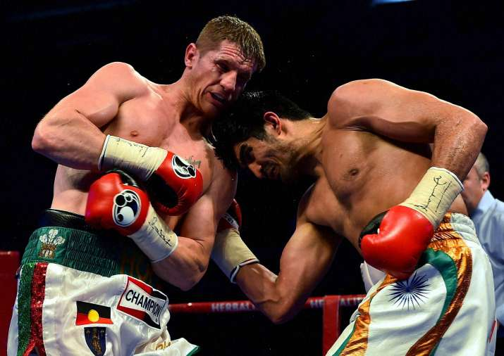 India Tv - Vijender Singh punching Kerry Hope