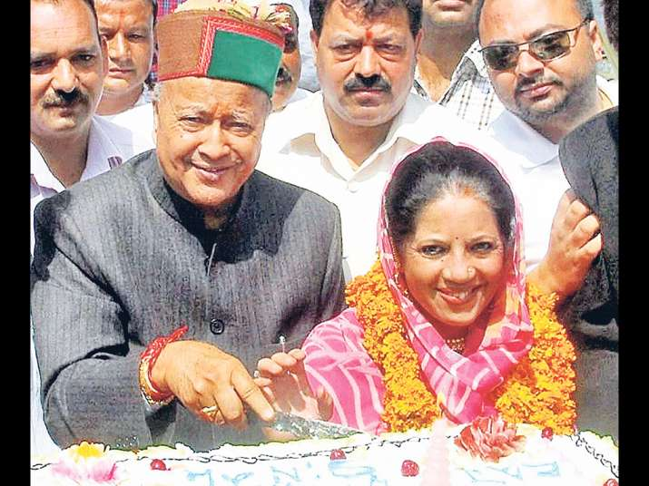 Himachal CM with his wife