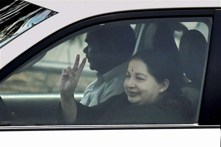 Jayalalithaa offers nine months' maternity leave for govt