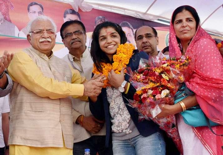 Haryana CM Khattar forgets Sindhu's name