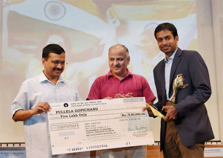 Kejriwal and Sisodia with P Gopichand