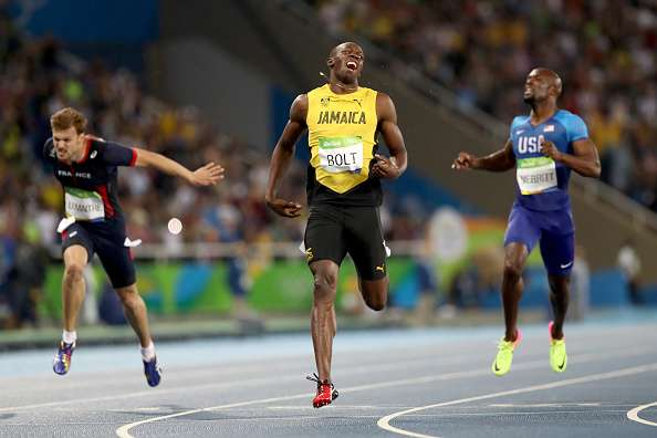 India Tv - Usain Bolt wins gold in 200m race