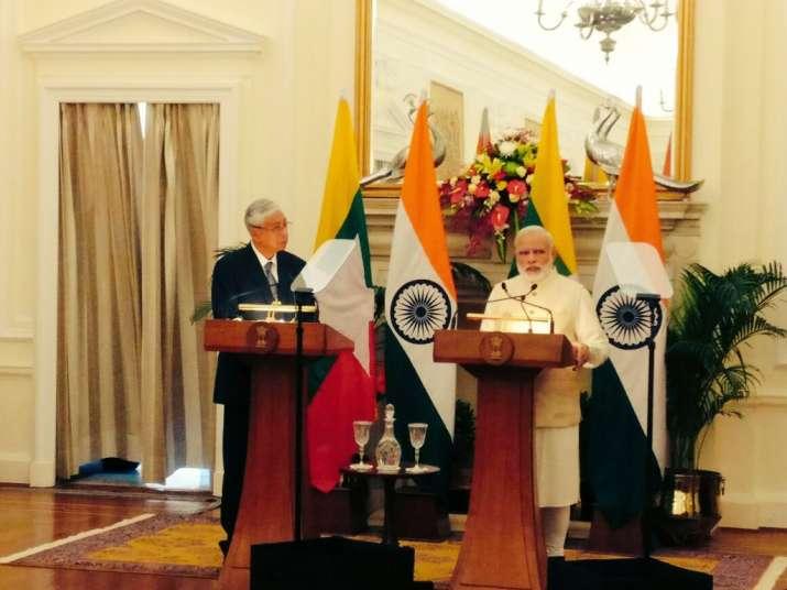 PM Narendra Modi with Myanmarese President U Htin Kyaw.