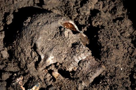 IS burried 15,000 bodies   India TV