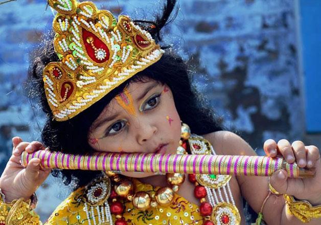 Bollywood celebs greet fans on Lord Krishna's birthday