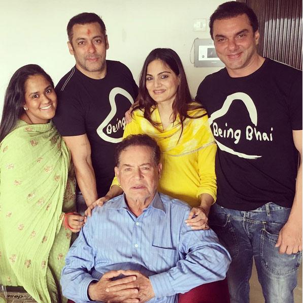Salman Khan with sisters Arpita-Alvira, brother Sohail and
