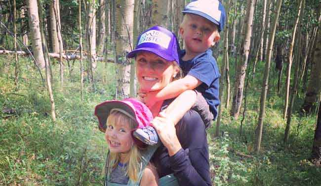 Mother dies while saving 2-year-old son who fell in lake