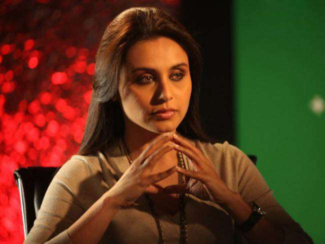 Rani Mukerji lashes out at paparazzi for clicking Adira's