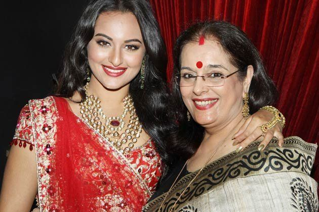 Sonakshi Sinha with mom