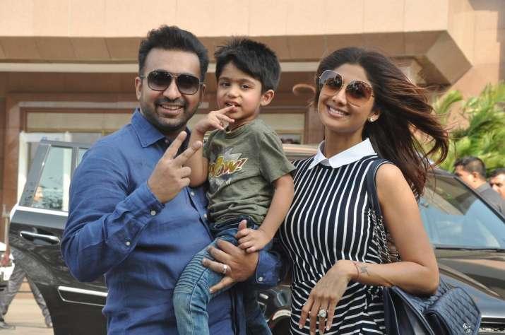 Shilpa Shetty and Raj Kundra with son Vivaan- India TV