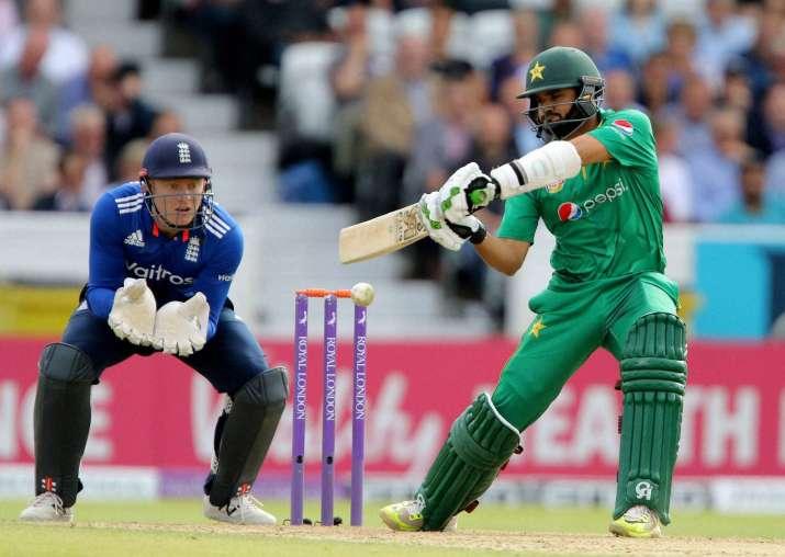 England beat Pakistan in 4th ODI, lead series 4-0