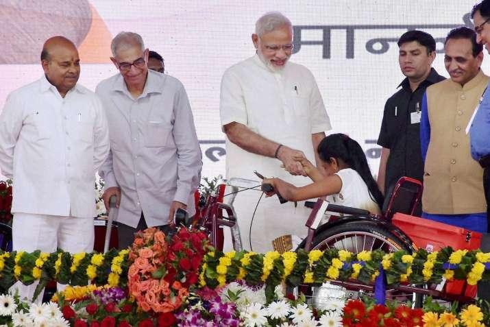 Days of 'chalta hai' attitude to get over, says PM Modi
