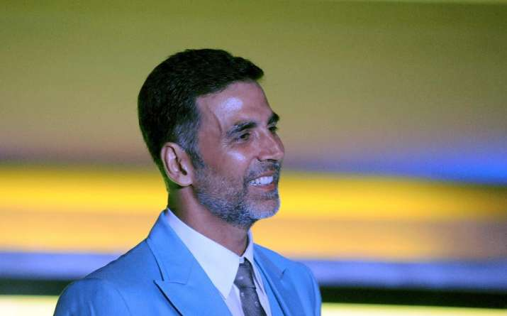 Intruder enters Akshay's house to seek shelter. Know what