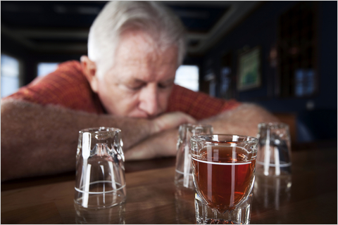 Heavy drinking may impair cognitive function in older adults
