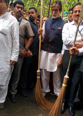 India Tv - When 'superstar of millennium' Amitabh Bachchan picked up a broom