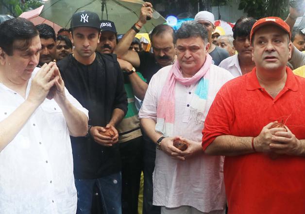Chaos at Kapoor family's 'Ganesh Visarjan'