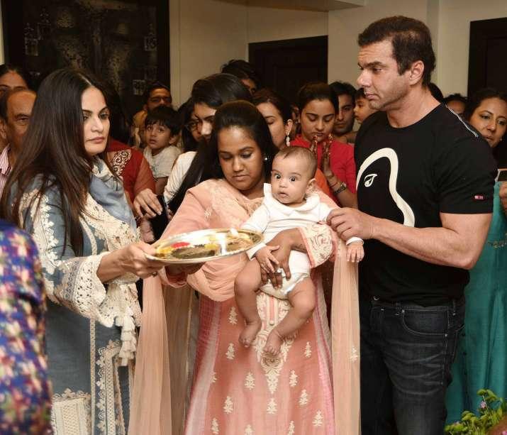 India Tv - Ganesh Visarjan at Salman Khan's residence