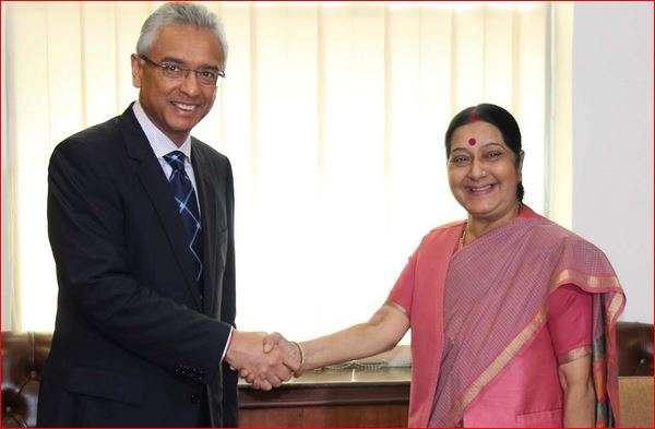 Sushma Swaraj and Pravind Kumar Jugnauth