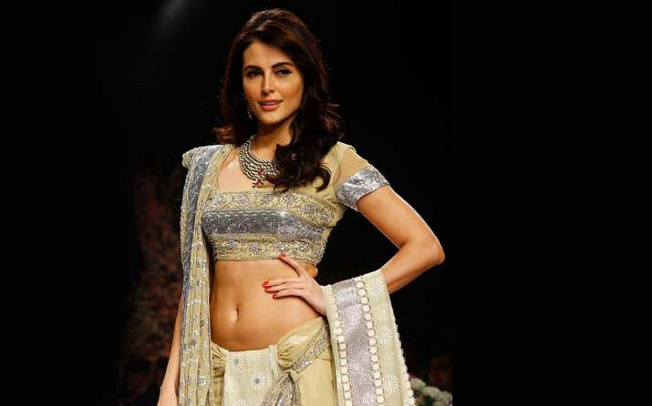 Mandana Karimi to muse for Gaurav & Nitesh at India Runway