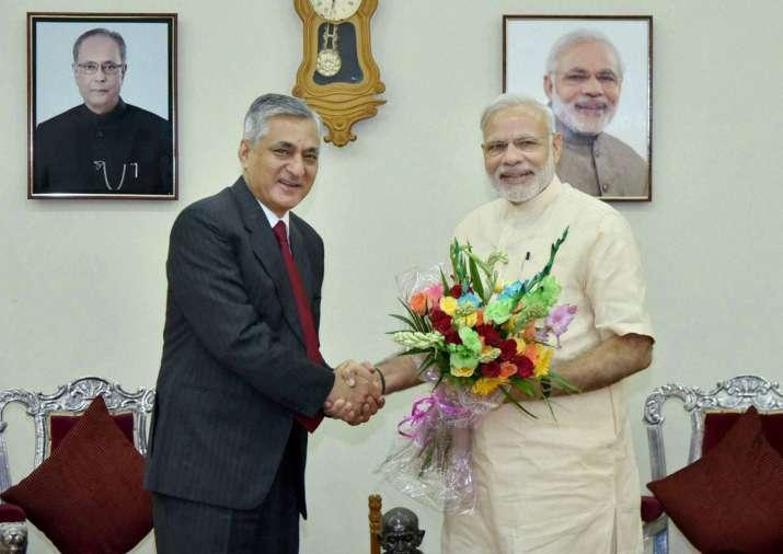 CJI T S Thakur and PM Narendra Modi