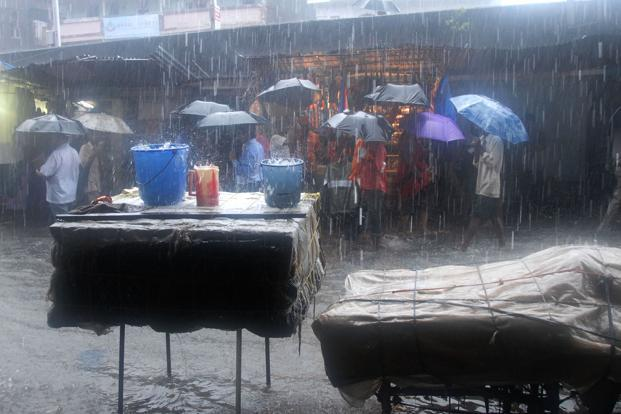 Very Heavy Rainfall Forecast For Mumbai In Next 48 Hours