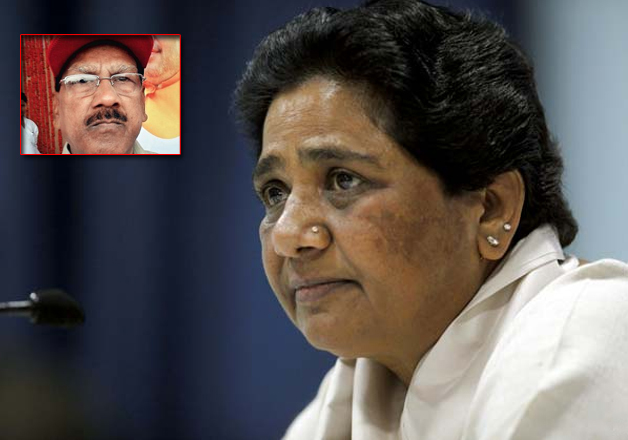 Setback to Mayawati as her security officer of 17 years