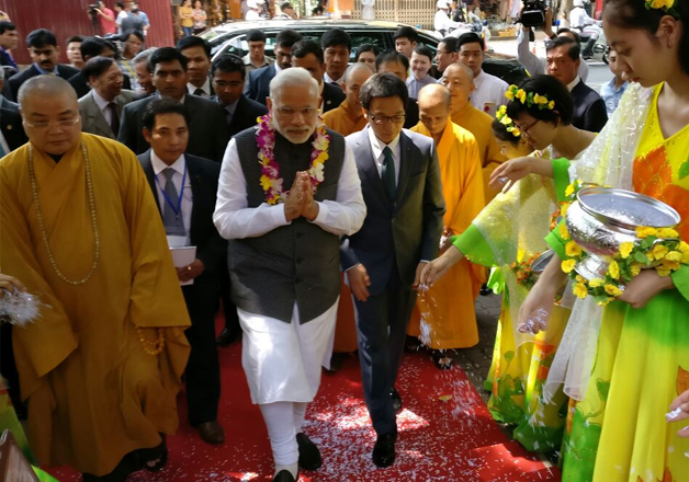 PM Modi visits historic Pagoda temple