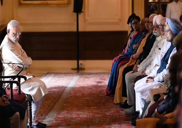 PM Modi and Manmohan Singh | India TV