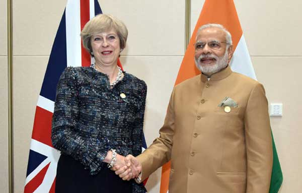 PM Modi with Theresa May at G20 Summit | India TV