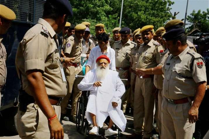 Asaram Bapu at Jodhpur airport as he is being taken to