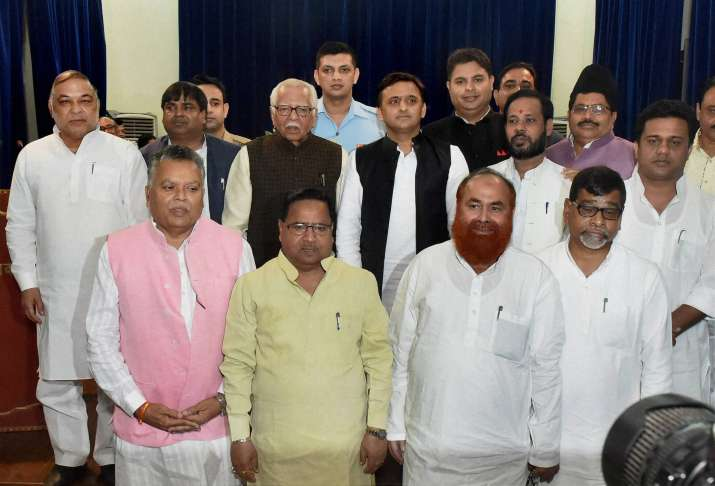 UP Govenor Ram Naik and CM Akhilesh Yadav with the newly