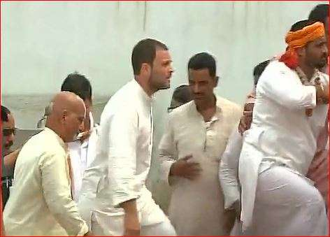 Rahul Gandhi at Hanuman Garhi temple in Ayodhya