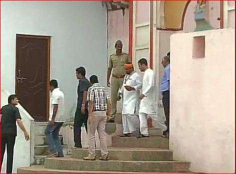 India Tv - Rahul Gandhi at Hanuman Garhi temple in Ayodhya