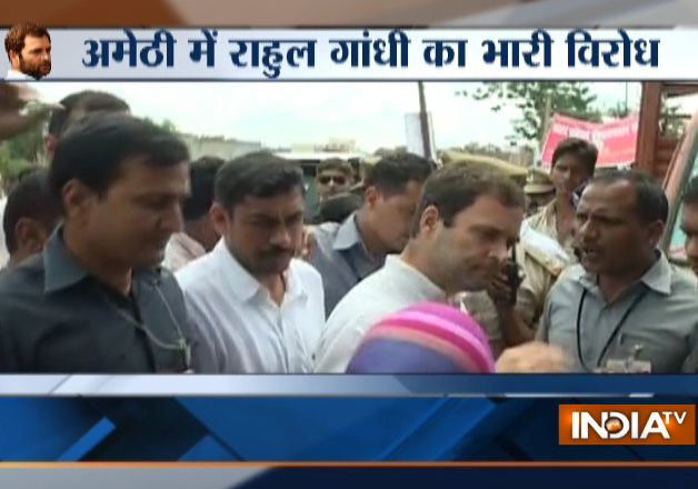 200 angry Anganwadi workers raise slogans against Rahul