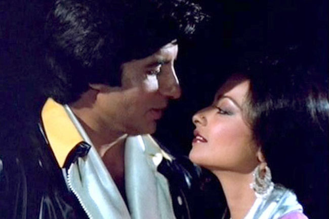 India Tv - Rekha and Amitabh Bachchan's affair has always gained a lot of attention