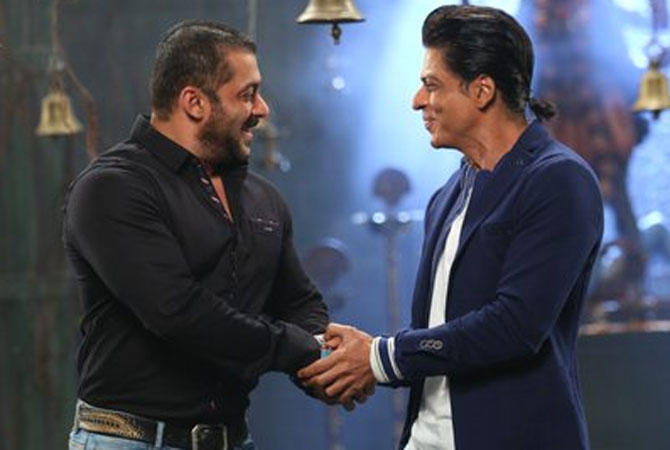 Have SRK and Salman finally said yes to feature in THIS